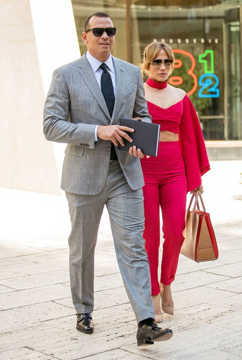 alex-rodriguez-jennifer-lopez-outing-new-york-april-3-2017-ftr.jpeg
